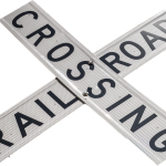 railroad-crossing-2152356_640